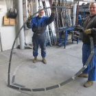 144 Výroba kovového věnce v Zámečnictví Kavka v Říčanech 2.2. 2012