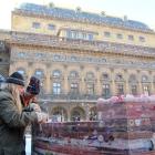178 Stavba vrcholí - ukládání poslední vrstvy 10.2. 2012